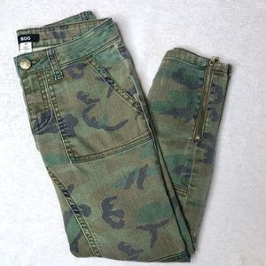 Urban Outfitters BDG Camo Patch-Pocket Cargo Pant
